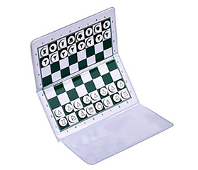 Wallet-style magnetic Travel Chess Set